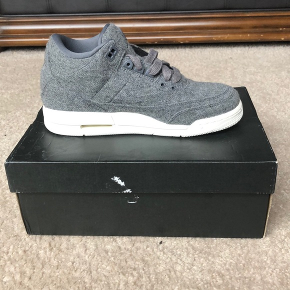 Boys size 7y Air Jordan 3 Retro Wool In Gray NWT